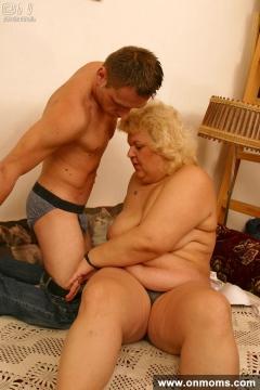 Fat MOM sesso pic