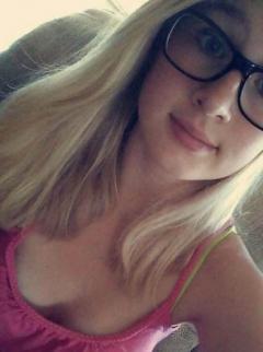 blonde selfie nude