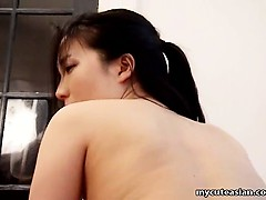 aamateur asian girl gets her shaved cunt penetrated