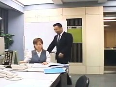 japanese-girl-fucked-at-the-office
