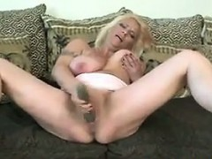 mature-blonde-mother