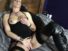 mature-british-woman-in-boots-playing