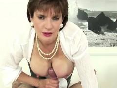 British Lady Sonia Titfucks