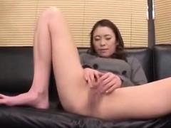 cute-sexy-japanese-girl-banging