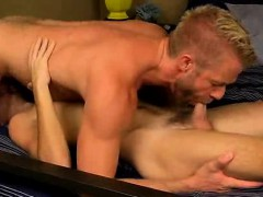 Mature Hunk Christopher Daniels Sucking On A Cock