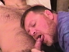 homemade-reality-jock-gets-bj-from-gay-bear