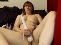webcam-girl-has-great-screaming-orgasms