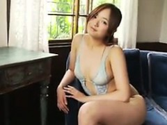 japanese-girl-wearing-lingerie-softcore