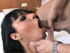 sexy-hausfrau-cum-drinking