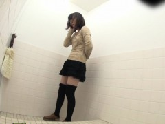 Japanese Sluts Pissin