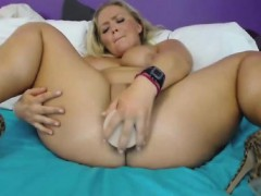 blondie-strips-and-fucks-her-toy