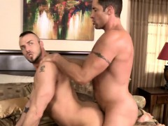 muscled-jessie-loves-to-suck-nick-big-and-hard-dick