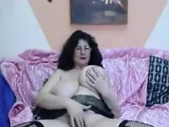 mature-slut-with-some-big-saggy-tits