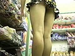japanese-girls-close-up-panties-pursuit