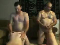 swingers-having-sex-live