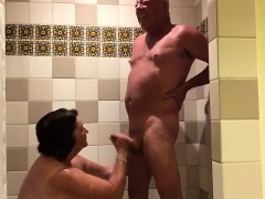 Playing In The Shower.720p