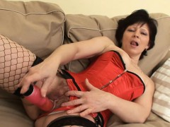 old-lady-in-fishnet-stockings-hardcore-couch-fuck