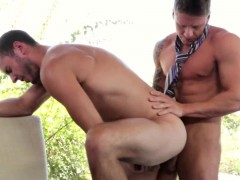 Office Hunk Assfucked On His Desk