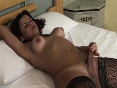 Hilda Brasil Pretty Tgirl Stripping And Jerking