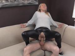naughty-hotties-net-shiny-leggings-quickie