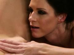 massage-satisfies-lesbian-sexual-hunger-lesbimassage-com