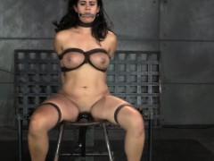 bondage-slave-dominated-by-black-master