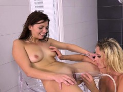 fingering-and-fisting-for-pissing-lesbians-loreen-and-britt