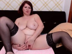 mature-busty-milf-ella-fingering-on-webcam
