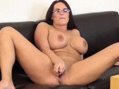 big-breasted-chick-with-glasses-mackenzee-pierce-masturbates-on-camera
