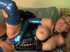 horny-vixen-has-her-juicy-snatch-plugged