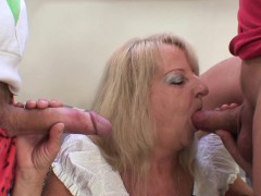 two partying guys screw boozed blonde granny xxx.harem.pt
