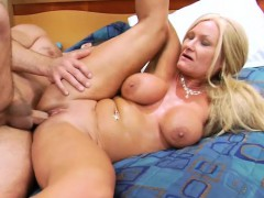 roxy-s-fake-boobs-bounce-when-she-s-getting-her-cunny-hammered