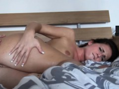 Hot Amateur Girlfriend Tries Out Anal Sex And Caught On Cam