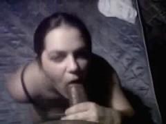 girlfriend-that-is-brunette-sucks-dick-that-is-black
