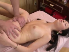 delicious-vesna-has-her-pussy-plugged