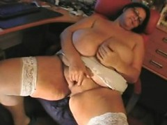 Bbw Mature Sandra Rubbing One Out Lakesha