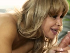 bigtitted-massage-alyssa-lynn-cocksucking