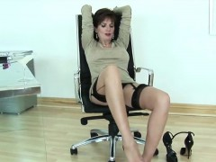 cheating-english-milf-lady-sonia-reveals-her-enormous-tits
