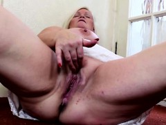 blonde-bbw-pleasures-herself