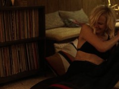 Malin Akerman And Kate Micucci Easy S01e06