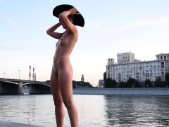 jeny-smith-yellow-heels-public-naked