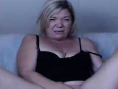 hot-mature-woman-in-action