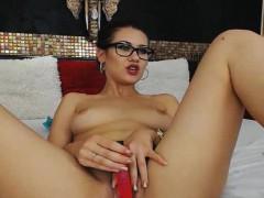 hot-nerdy-babe-dildo-fucks-her-tight-pussy