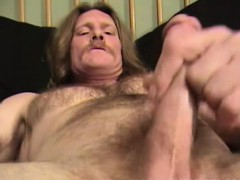 mature-amateur-lil-rooster-jerking-off