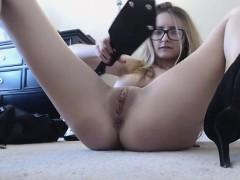 cute-girl-with-big-boobs-masturbates