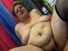 Big boobs granny giving herself an orgasms