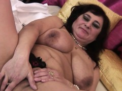 Huge Titted Mature Mumsy Playing W Cherryl