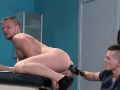 Sex Gay Porn With Small Boy Brian Bonds Stops In To See His