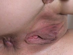 Babe's Pussy Is Filled With Wet Mess During Masturbation