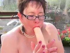 europemature-chubby-granny-honey